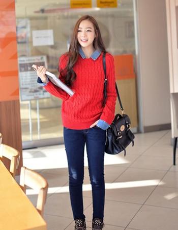 短款红色毛衣怎么搭配