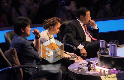 央视一姐董卿生活糜烂不堪 董卿和刘谦睡觉图图片