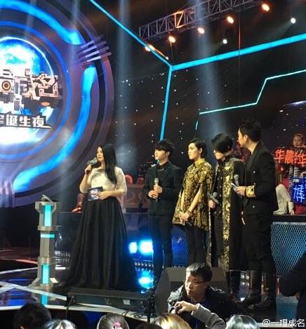 何炅喜欢李湘还是谢娜