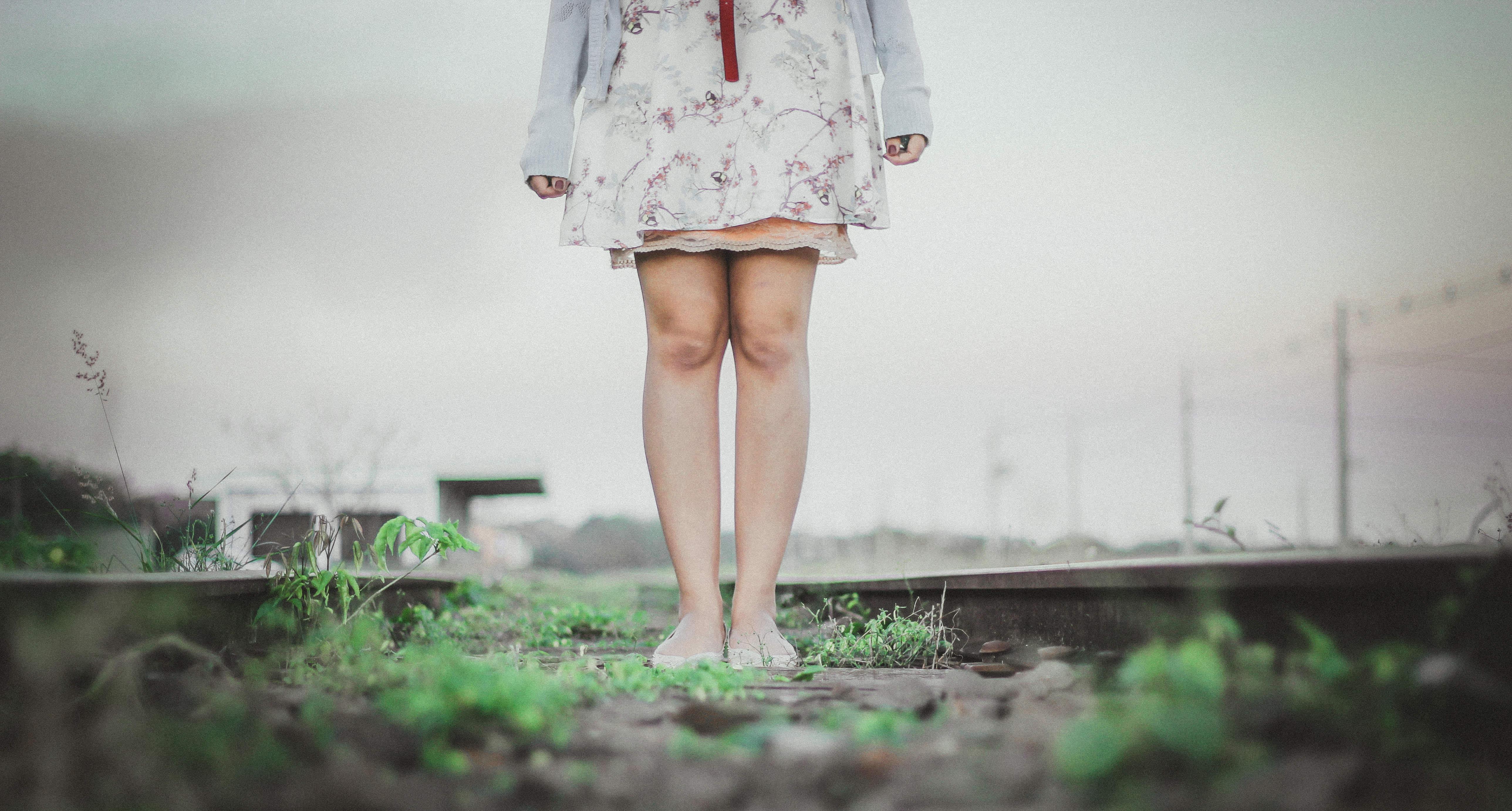 平坦的鞋底穿久脚底痛
