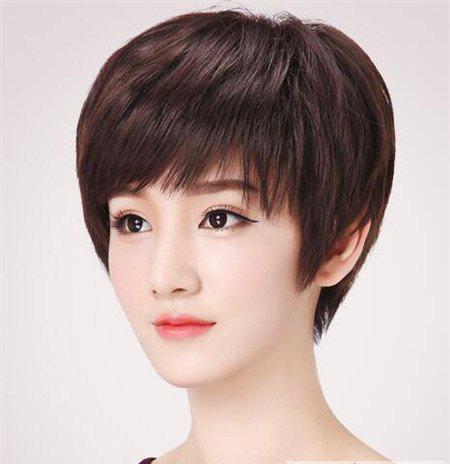 焕发青春减龄10岁! 40岁女人短发最新发型流行趋势
