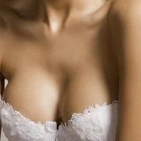 女人隆胸术后 保养最关键