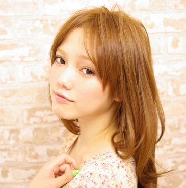 达人示范2012年最流行修颜中分刘海造型