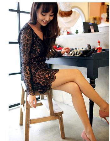 新春时节穿的必备款式的连衣裙