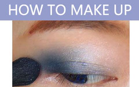 深蓝烟熏妆的画法 魅惑眼妆电力十足