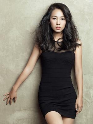 演员高雅轩女装外套时尚写真 尽显黑色诱惑