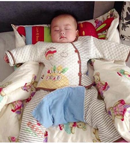 宝宝聪明看睡姿就知道