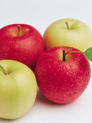 摄取超强抗老力未熟苹果加一味打成汁