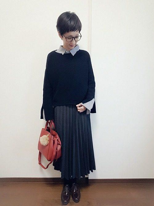 百褶长裙搭配什么上衣 一条百褶长裙五种搭配