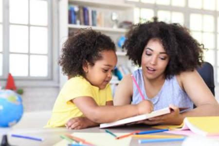 比的你给孩子报幼儿园都强 父母的正确价值观