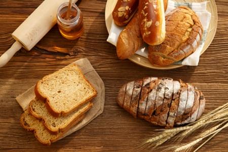 全麦面包真有那么好?这3招分真假全麦面包