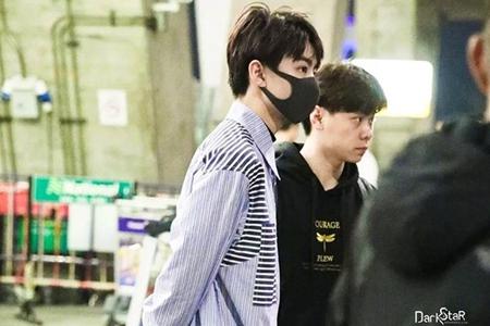 网友:人家小凯不要面子的吗? 王俊凯裤子里套牛仔裤