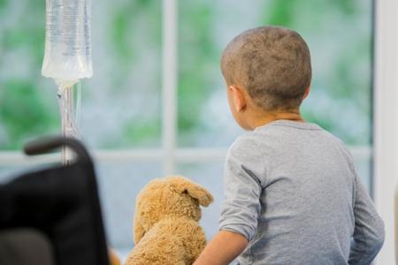 这3个得白血病原因家长要注意 小孩流鼻血会是白血病