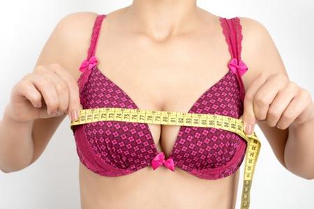 按摩丰胸有科学依据吗?女人乳房太小记牢这三点