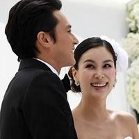 张东健与高小英甜蜜成婚
